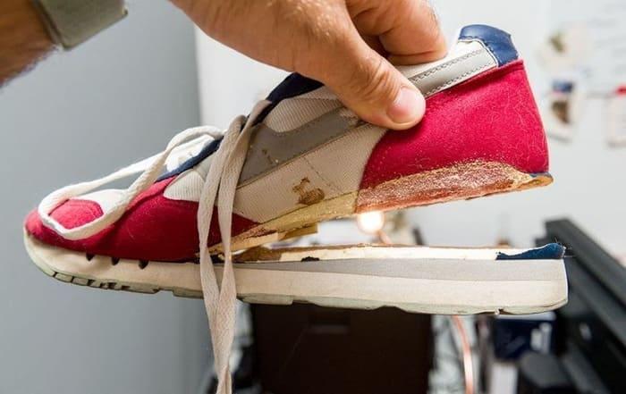 giày bị bong đế