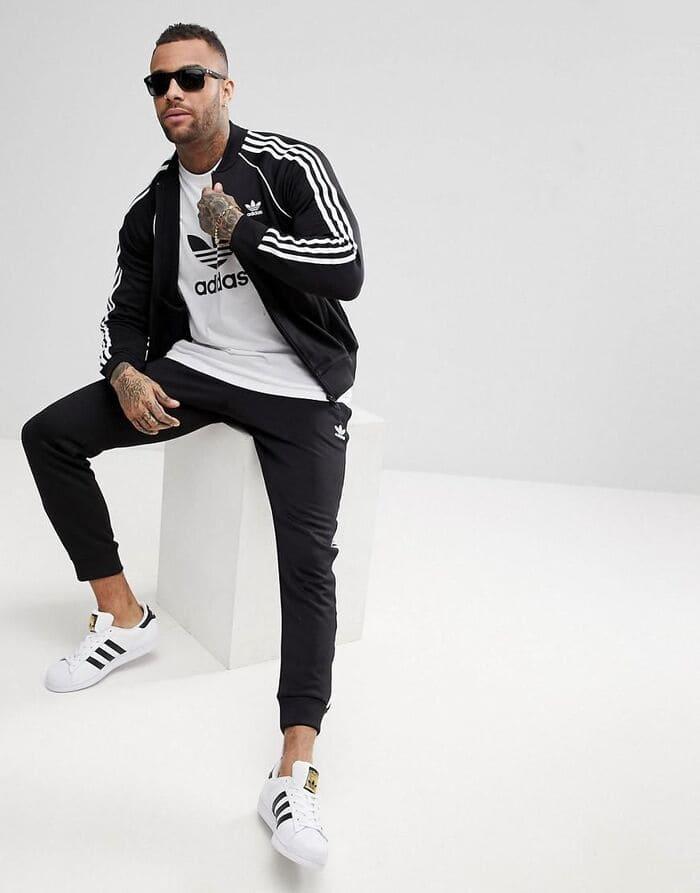 cách phối đồ với giày adidas nam kết hợp cùng quần thể thao năng động