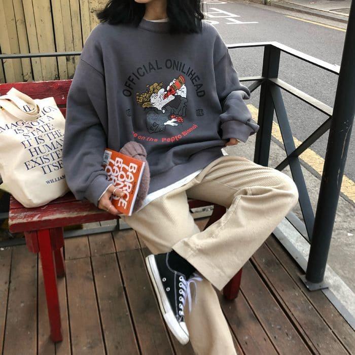 cách phối đồ với giày converse cổ thấp nam nữ với áo hoodie nữ