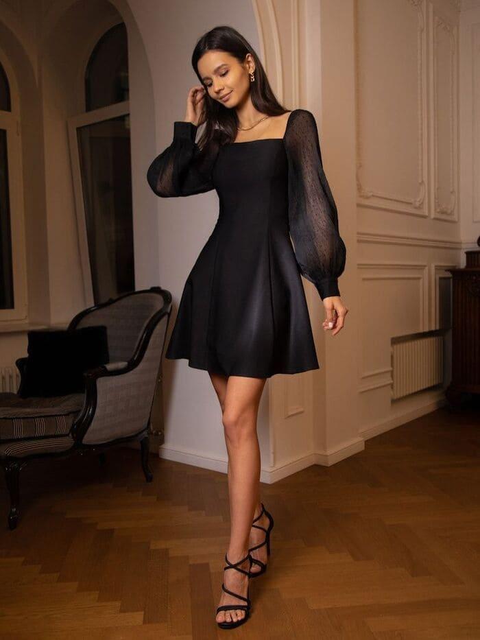 đầm đen đi chơi