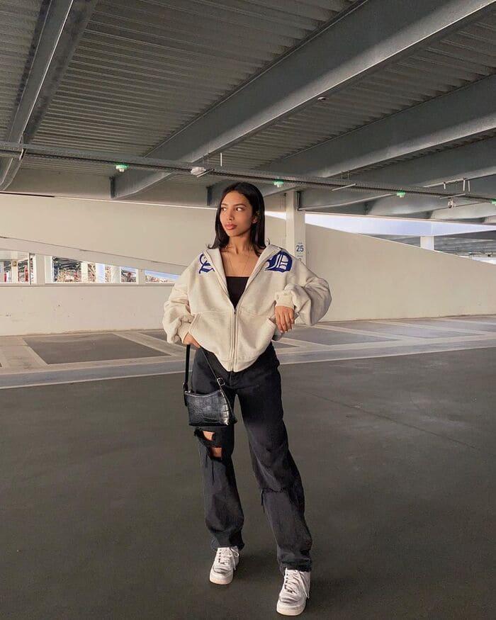 giày thể thao nữ mặc với quần jean đẹp