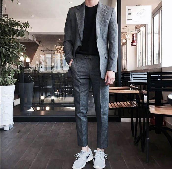hướng dãn mix đồ với giày nike nam cùng bộ suit lịch lãm