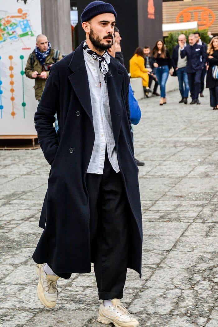 kết hợp áo dạ và giày thể thao nam