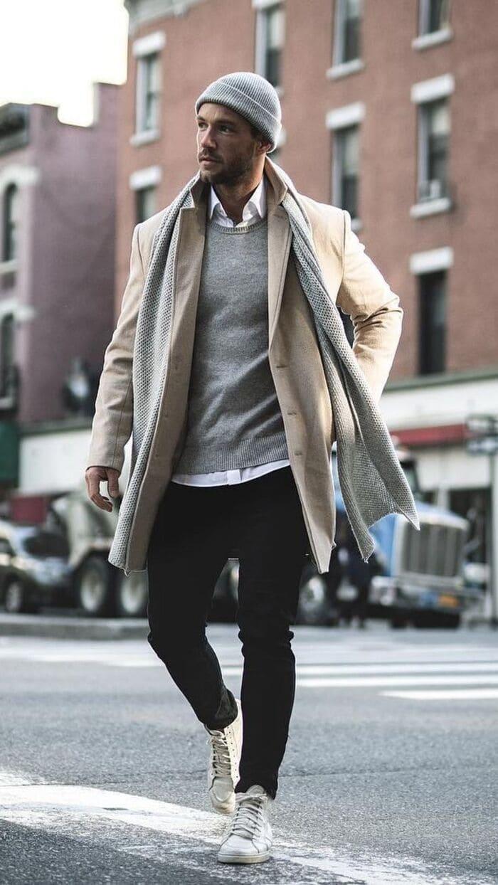 mix áo dạ sáng màu với giày thể thao nam