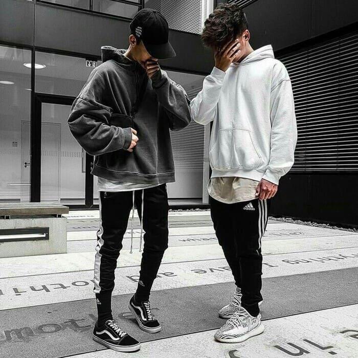 tổng hợp những cách mix đồ với giày adidas đẹp cùng áo hoodie nam năng động