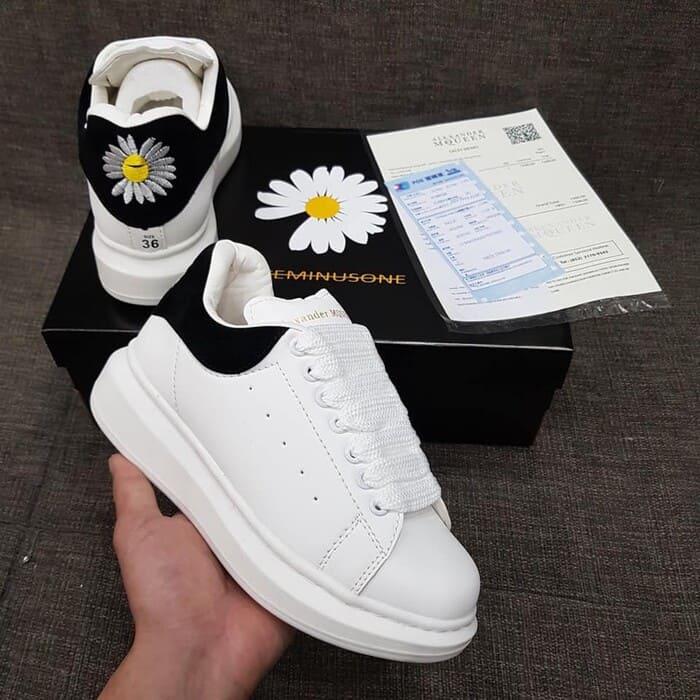 các mẫu giày alexander hoa cúc đẹp