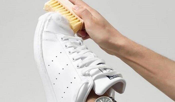 cách giặt giày thể thao adidas