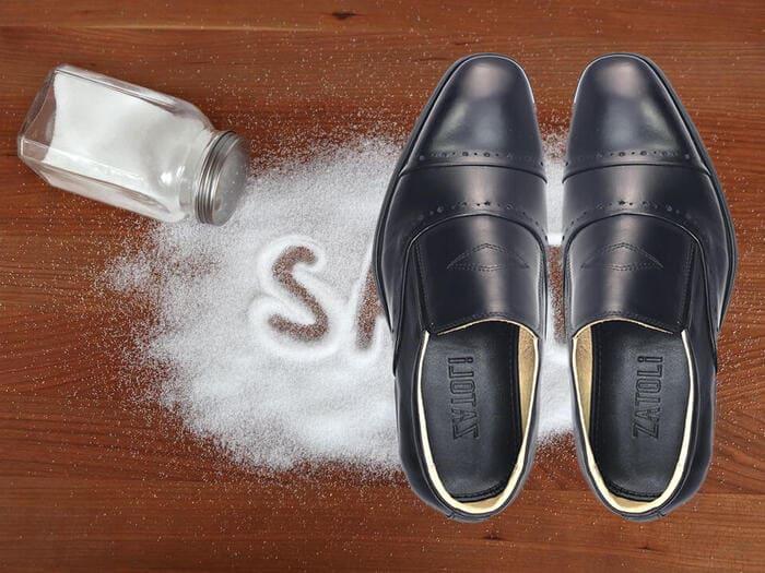 cách khử mùi hôi giày nhanh chóng
