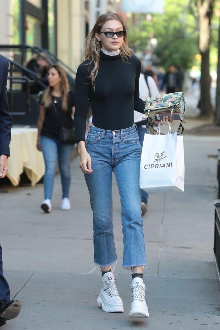cách phối đồ với giày palladium nữ với quần jean