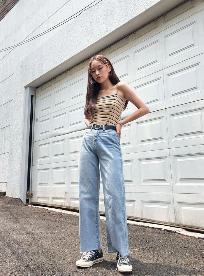 chọn quần jean ống rộng ít họa tiết