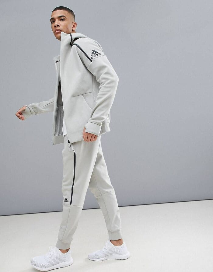 lưu ý khi phối quần jogger với giày