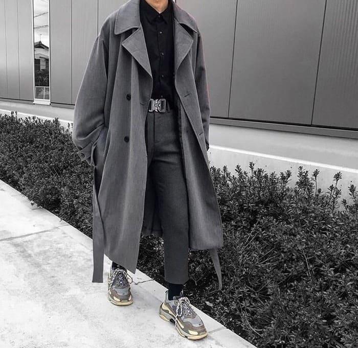 những cách phối đồ với áo dạ và giày sneaker nam