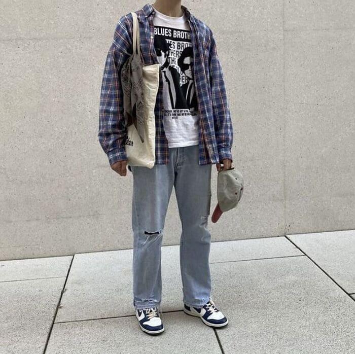 phối quần jean ống rộng nam kết hợp với giày nike