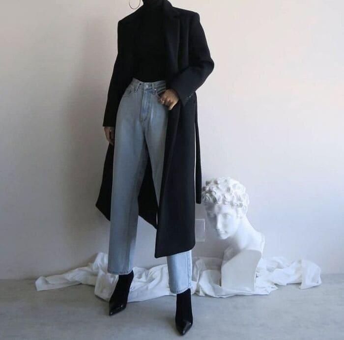 phối quần jean ống rộng nữ kết hợp với giày boot nhọn