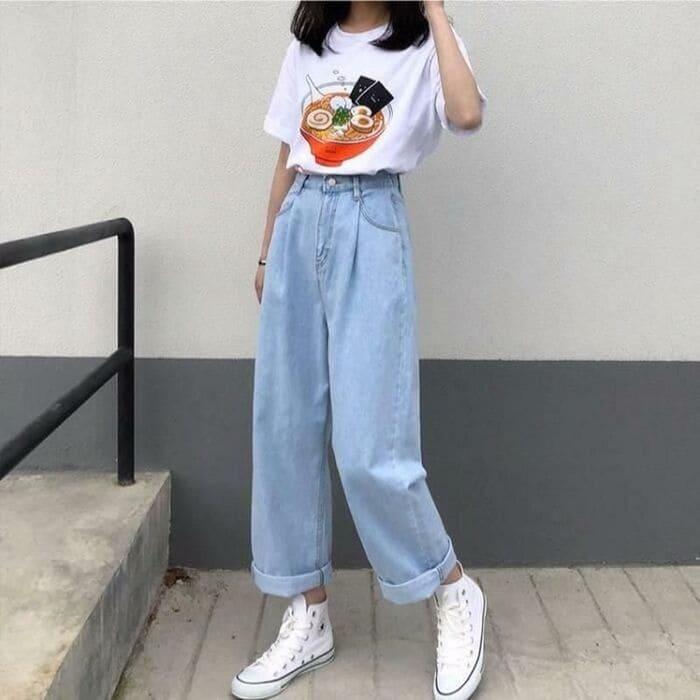 phối quần jean ống rộng nữ kết hợp với giày converse trắng