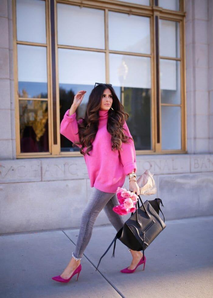 quần jeans ôm sexy kết hợp với giày cao gót hồng