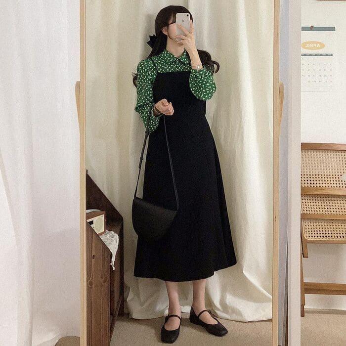 váy yếm kết hợp với giày búp bê